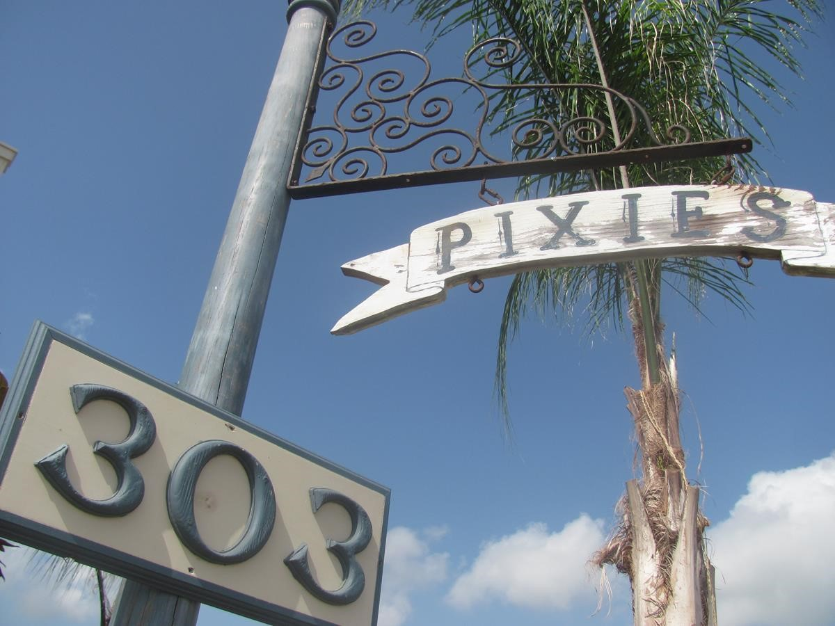 Street Signs - 303 and Pixies